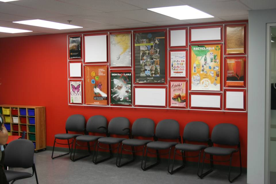 Wall Mounted Image Wall For 24 Wide Posters 4x2 Afix