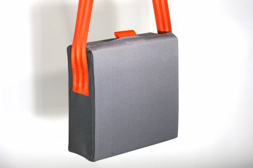 Carrying bag for steel bases